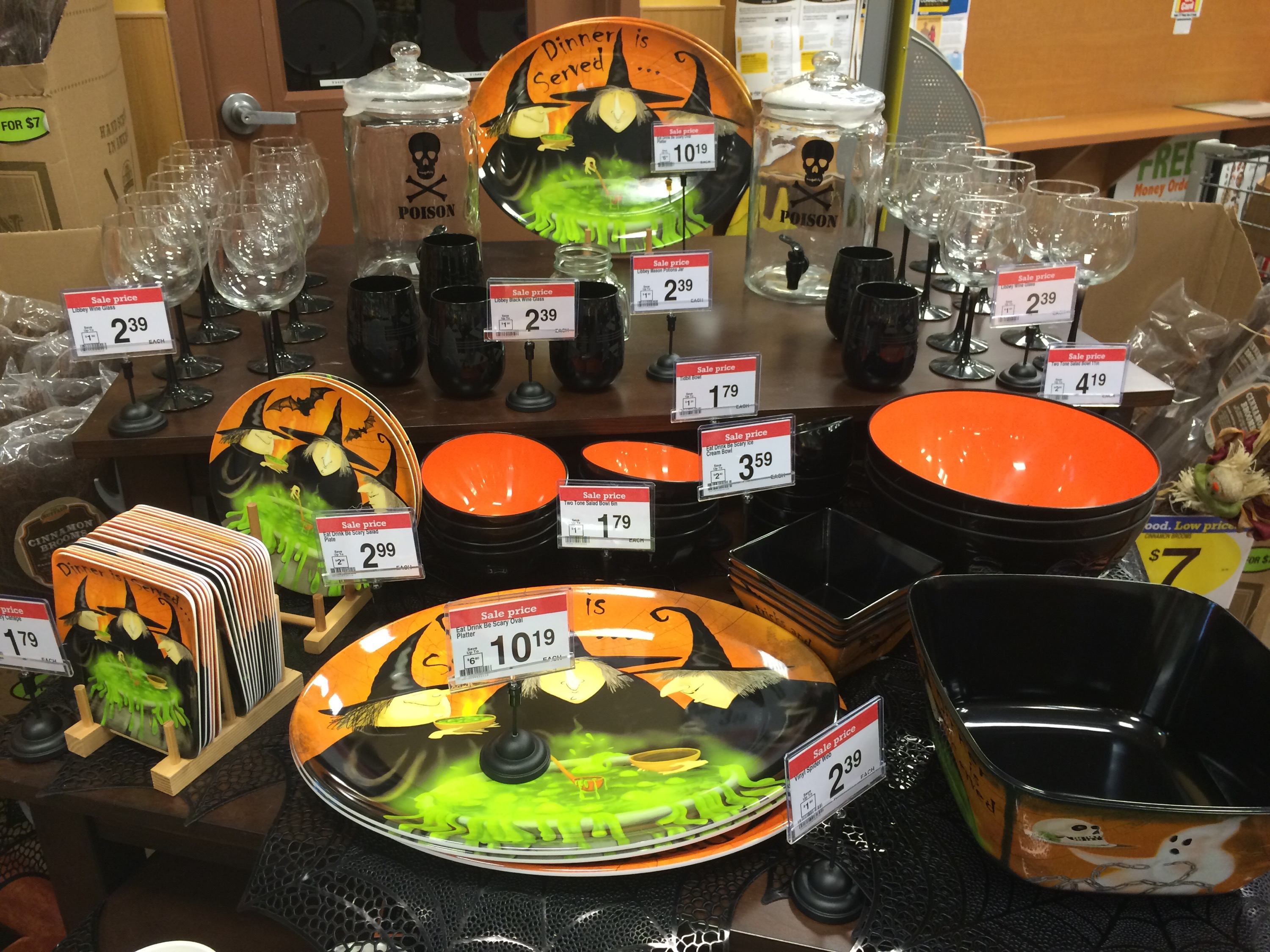 adorable halloween decorations mugs glassware plates 40 off at kroger
